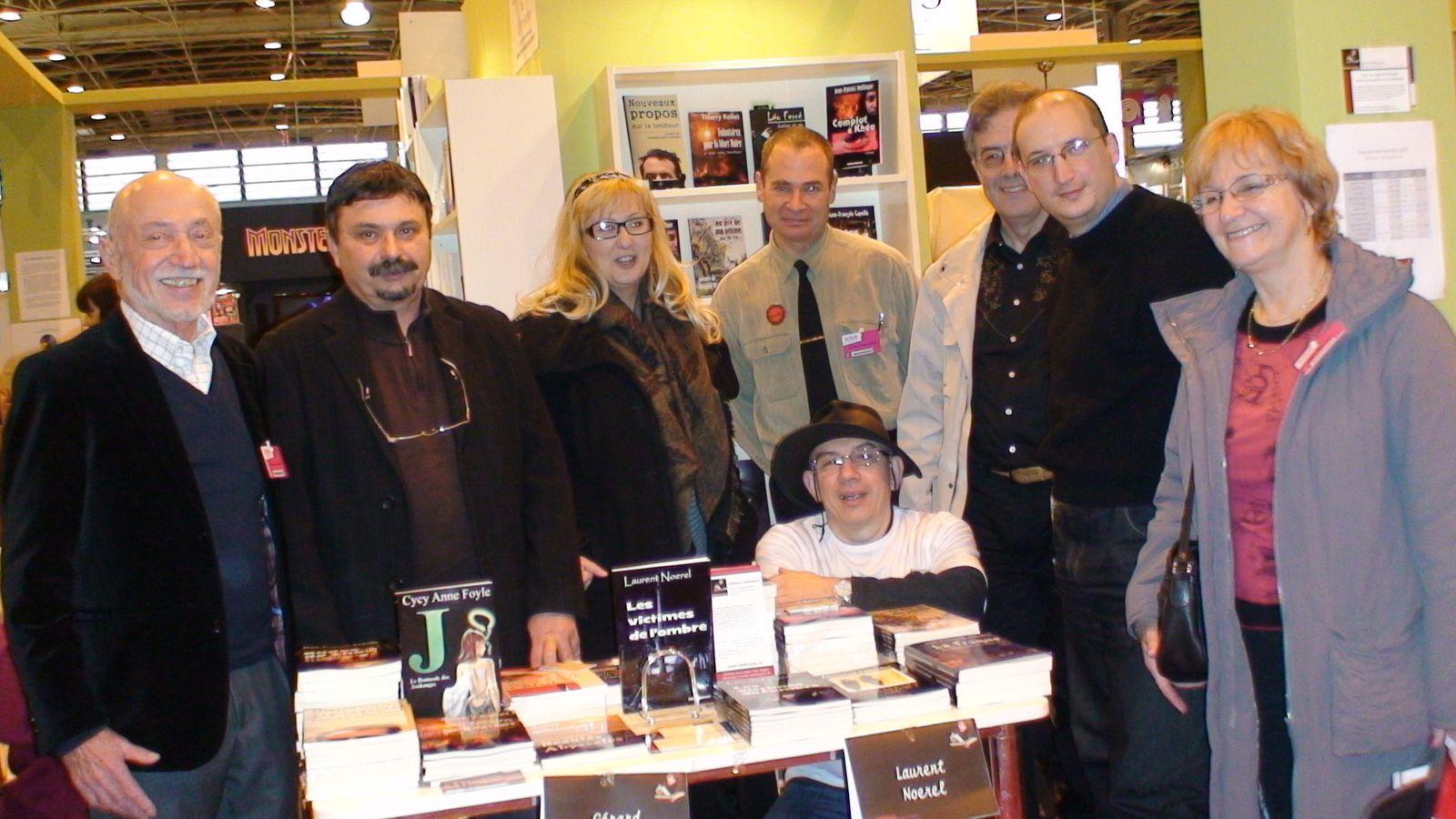 Les auteurs des Éditions Dédicaces au Salon du livre de Paris 2011